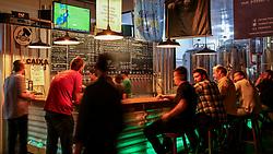 4 Beer Cerveja & Cultura. Foto: Marcos Nagelstein/ Agência Preview Na foto Rafael Diefenthaler, sócio-proprietário da 4 Beer Cerveja & Cultura. Foto: Marcos Nagelstein/ Agência Preview