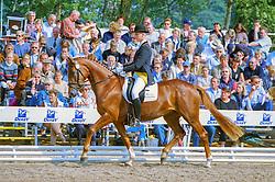 , Warendorf - Bundeschampionate 04 - 08.09.2002, Dunja 754 - Mencke, Rene