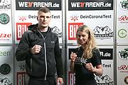 BOXEN: Universum Boxpromotion, Waage, Hamburg, 19.02.2021<br /> Elvir Axel Sendro (BIH) und Natalie Zimmermann (GER)<br /> © Torsten Helmke