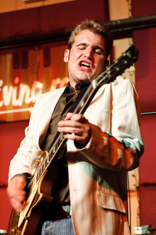 NEW YORK, NY - SEPTEMBER 15: American musician Sean Costello and his band perform at the Living Room on September 15, 2005 in New York, New York. (PHOTO CREDIT: Eric M. Townsend)