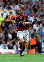 Fotball. Premier League. 24.08.2002.<br /> Aston Villa v Tottenham<br /> Mark Kinsella, Villa.<br /> Foto: David Price Digitalsport