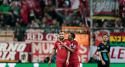 04.11.2015, Allianz Arena, Muenchen, GER, UEFA CL, FC Bayern Muenchen vs FC Arsenal, Gruppe F, im Bild v.l.: Arturo Vidal (FC Bayern), Douglas Costa (FC Bayern) // during the UEFA Champions League group F match between FC Bayern Munich and FC Arsenal at the Allianz Arena in Munich, Germany on 2015/11/04. EXPA Pictures © 2015, PhotoCredit: EXPA/ JFK