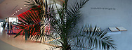 Deutschland, DEU, Berlin, 2003: Empfang und Besucherinformation; Blickwinkel 126 Grad. Das Berliner Tierheim ist das groesste und modernste auf der Welt. | Germany, DEU, Berlin, 2003: Reception and visitor information, angle of view 126°. World's bigget and most modern animal shelter in Berlin. |