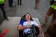 Ken Talbot rijdt een wereldrecord handbike tijdens de derde racedag. In Battle Mountain (Nevada) wordt ieder jaar de World Human Powered Speed Challenge gehouden. Tijdens deze wedstrijd wordt geprobeerd zo hard mogelijk te fietsen op pure menskracht. De deelnemers bestaan zowel uit teams van universiteiten als uit hobbyisten. Met de gestroomlijnde fietsen willen ze laten zien wat mogelijk is met menskracht.<br /> <br /> In Battle Mountain (Nevada) each year the World Human Powered Speed Challenge is held. During this race they try to ride on pure manpower as hard as possible.The participants consist of both teams from universities and from hobbyists. With the sleek bikes they want to show what is possible with human power.