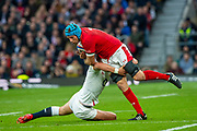 Twickenham, England, 7th March 2020, Justin TIPURIC,  Tackled by Henry SLADE, during the Guinness Six Nations, International Rugby, England vs Wales, RFU Stadium, United Kingdom, [Mandatory Credit; Peter SPURRIER/Intersport Images]