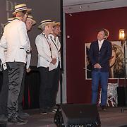 NLD/Amsterdam/20190701 - Uitreiking Johan Kaartprijs 2019, Pierre Bokma  krijgt de Johan Kaart prijs uitgereikt door Slapstick