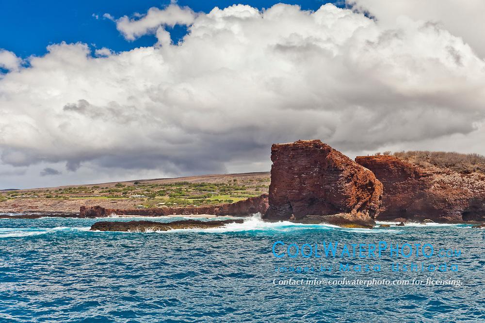 Puu Pehe aka Sweetheart Rock, South Lanai, Lanai aka Pineapple Island because of its past as an island-wide pineapple plantation of Dole, the sixth-largest island of the Hawaiian Islands, Hawaii, USA, Pacific Ocean