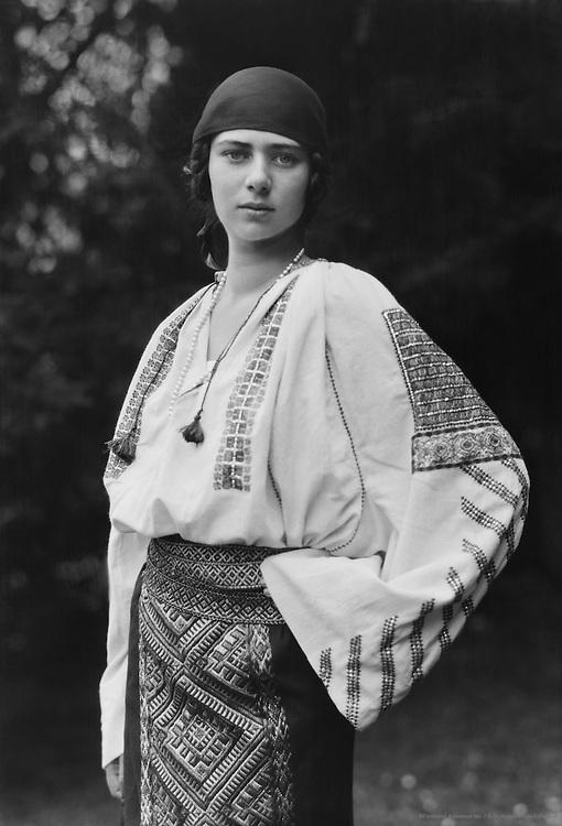 Princess Ileana of Romania, 1923