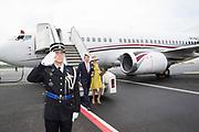 Staatsbezoek aan Luxemburg dag 1 / State visit to Luxembourg day 1<br /> <br /> Op de foto / On the photo: Aankomst op Vliegveld Luxemburg met Koning Willem Alexander en Koningin Maxima  / Arrival at Airport Luxembourg with King Willem Alexander and Queen Maxima