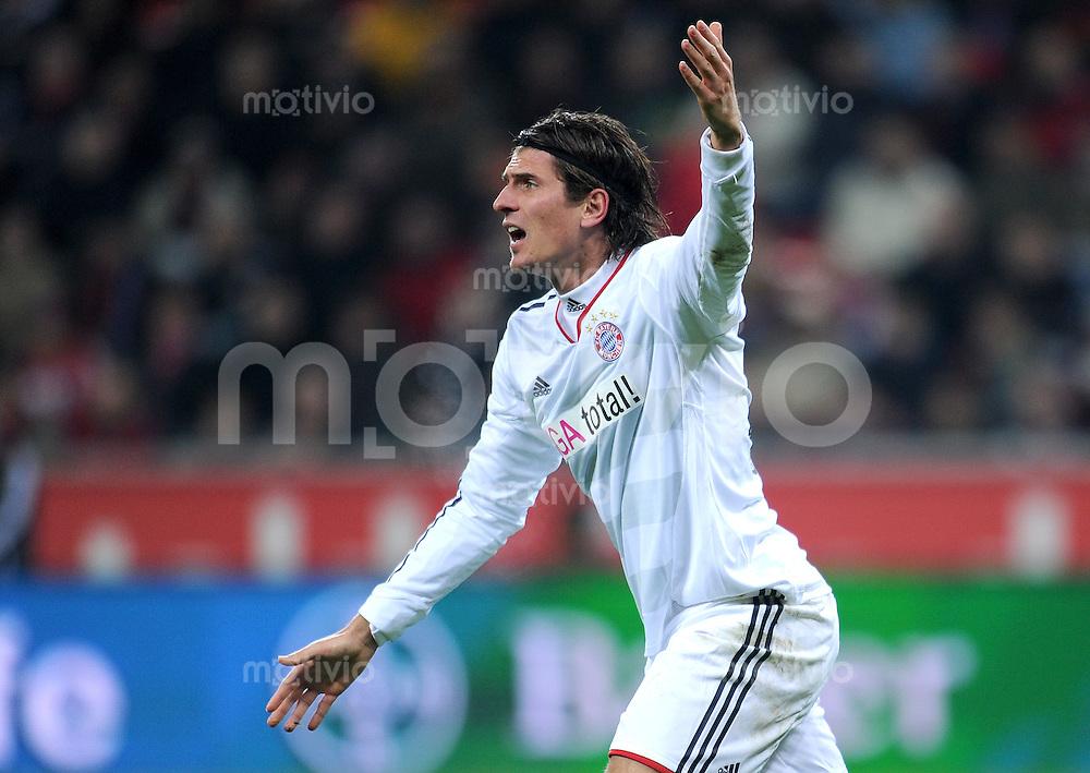 Fussball 1. Bundesliga :  Saison   2010/2011   13. Spieltag  20.11.2010 Bayer 04 Leverkusen - FC Bayern Muenchen  Mario Gomez (FC Bayern Muenchen)