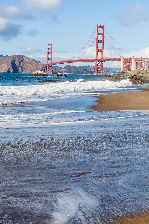 The Golden Gate bridge as seen from Baker Beach on the Pacific Ocean side of the entrance to San Fransisco Bay, San Fransisco, California, USA.