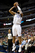 Vince Carter (25) of the Dallas Mavericks pulls up for a three-pointer against the Oklahoma City Thunder at the American Airlines Center in Dallas on Sunday, March 17, 2013. (Cooper Neill/The Dallas Morning News)