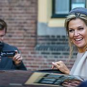 NLD/Den Haag/20180831 - Willem-Alexander en Maxima bij afscheid vice-president Raad van State, Maxima zwaaiend