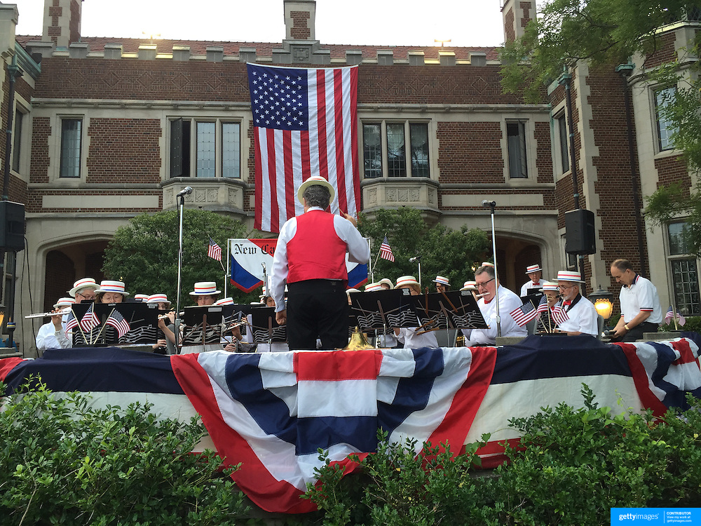The New Canaan Town Band performs at the 35th Annual Family Fourth of July Fireworks display and Celebration at Waveny Park, New Canaan, Connecticut, USA. 4th July 2015. Photo Tim Clayton