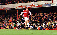 Ray Parlour shoots past Newcastle United goalkeeper Shay Given to score his 3rd and Arsenals 5th goal. Arsenal 5:0 Newcastle United, F.A.Carling Premiership, 9/12/2000. Credit Colorsport / Stuart MacFarlane.