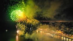 Reveillon 2020 na Orla Moacyr Scliar em Porto Alegre. O Parque Urbano da Orla do Lago Guaíba, foi projetado pelo arquiteto Jaime Lerner, um dos cinco urbanistas mais influentes do século 20. A nova área de lazer e contemplação dos porto-alegrenses tem 1,3 quilômetros e fica entre a Usina do Gasômetro e a Rótula das Cuias.  FOTO: Jefferson Bernardes/ Agência Preview