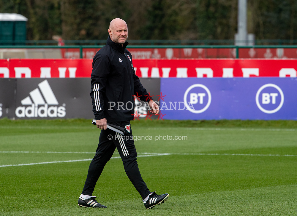 CARDIFF, WALES - Tuesday, March 23, 2021: Wales' care-taker coach Robert Page during a training session at the Vale Resort ahead of the FIFA World Cup Qatar 2022 Qualifying game against Belgium. (Pic by David Rawcliffe/Propaganda)