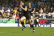 2004 Zurich Premiership Semi-Final - London Wasps v Northampton Saints  16/05/2004 <br />Tom Voyce on the attack. , [Mandatory Credit: Peter Spurrier/Intersport Images],