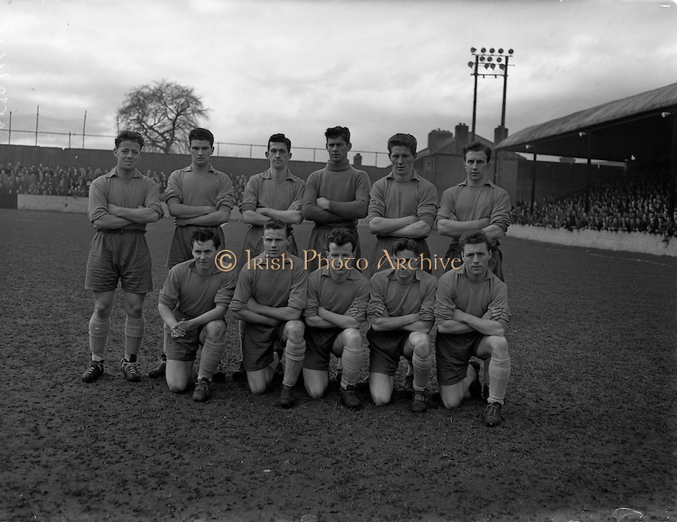16/02/1958<br /> 02/16/1958<br /> 16 February 1958<br /> Soccer, First round of FAI Cup: Drumcondra v Limerick at Dalymount Park, Dublin. The Drumcondra team.