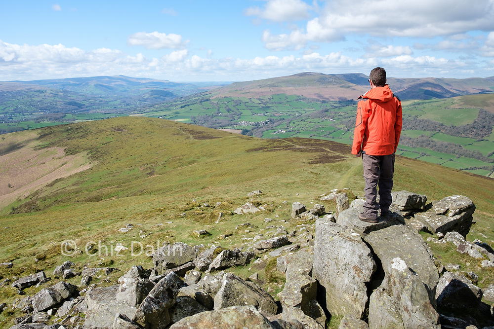Although the summit itself can be crowded, you don't have to go far to find quieter views.