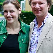 NLD/Hilversum/20110615 - Presentatie AVRO Een Zomer vol Kunst en Cultuur, Anniko van Santen en Frits Sissing