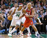 Basketball<br /> NBA<br /> Foto: Dppi/Digitalsport<br /> NORWAY ONLY<br /> <br /> BASKETBALL - NBA - BOSTON (USA) - TD BANKNORTH GARDEN - 14/11/2007<br /> <br /> BOSTON CELTICS (WINNER 91-69) V NEW JERSEY NETS<br /> PAUL PIERCE (34) (BOSTON CELTICS) - RICHARD JEFFERSON (24) (NEW JERSEY NETS)