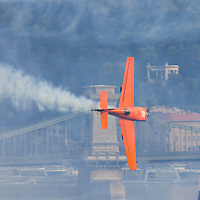 0708193870a Red Bull Air Race international air show qualifying runs over the river Danube, Budapest preceding the anniversary of Hungarian state foundation. Hungary. Sunday, 19. August 2007. ATTILA VOLGYI
