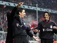 Roy Makaay Bayern Jubel nach 4:0 rechts: Claudio Pizarro<br /> Champions League FC Bayern München - Rapid Wien <br /> Norway only