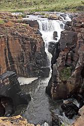 July 6, 2015 - Blyde River Canyon, Waterfall at Pot holes, Mpumalanga, South Africa (Credit Image: © Tuns/DPA/ZUMA Wire)