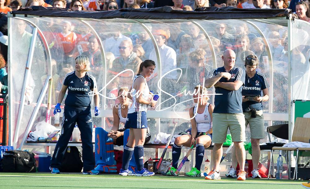 AMSTERDAM - Hockey -  Dug Out  (GB)  .Interland tussen de vrouwen van Nederland en Groot-Brittannië, in de Rabo Super Serie 2016 .  COPYRIGHT KOEN SUYK
