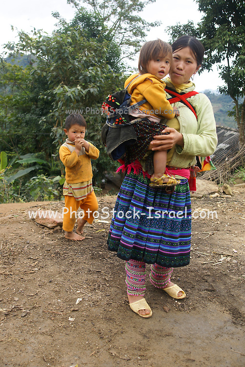 Vietnam, Bac Ha mother and two children