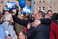 """Members of the public take a selfie phtos wiht First Minister Alex Salmond.<br /> First Minister Alex Salmond and Deputy First Minister. Nicola Sturgeon join with figures from across the Yes movement. <br /> They  """"campaign for the full powers that only a Yes vote can guarantee"""". Amongst other members of the grassroots campaign they  <br /> join Jim Sillars and the Margo mobile, which has been touring communities of Scotland.<br /> Pako Mera/Universal News And Sport (Europe) 10/09/2014"""