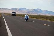 De Bluenose tijdens de tweede racedag. In Battle Mountain (Nevada) wordt ieder jaar de World Human Powered Speed Challenge gehouden. Tijdens deze wedstrijd wordt geprobeerd zo hard mogelijk te fietsen op pure menskracht. De deelnemers bestaan zowel uit teams van universiteiten als uit hobbyisten. Met de gestroomlijnde fietsen willen ze laten zien wat mogelijk is met menskracht.<br /> <br /> In Battle Mountain (Nevada) each year the World Human Powered Speed ??Challenge is held. During this race they try to ride on pure manpower as hard as possible.The participants consist of both teams from universities and from hobbyists. With the sleek bikes they want to show what is possible with human power.