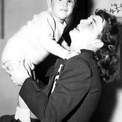 HS480   Barbara Bush plays with her son, George W., New Haven, CT,<br /> Easter 1948.<br /> Photo Credit:  George Bush Presidential Library
