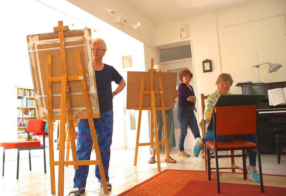 Southern France, Art Class, Congenies, Center de Quaker