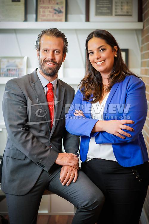 Paula Triches e Alexandre Schumacher na sede do Schumacher Triches Advogados Associados FOTO: Jefferson Bernardes/ Agência Preview