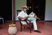 Man dressed with traditional clothes - Martinique (French Département d'outre Mer - DOM) - France<br /> French West Indie - Antilles françaises<br /> Caribbean