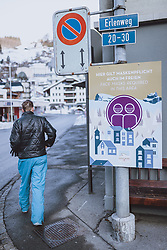 THEMENBILD - Hinweisschild Maskenpflicht, aufgenommen am 19. Dezemeber 2020 in Engelberg, Schweiz // Mandatory wearing of masks information sign in Engelberg, Switzerland on 2020/12/19. EXPA Pictures © 2020, PhotoCredit: EXPA/ JFK