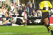 Peter Spurrier Sports  Photo. .Tel 44 (0) 7973 819 551.Photo Peter Spurrier.Quins v Wasps 22-9-01.Mark Mapletoft..[Mandatory Credit, Peter Spurrier/ Intersport Images][Mandatory Credit, Peter Spurrier/ Intersport Images]
