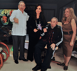 L-R : Cuban President Raul Castro, Argentina's President Cristina Fernandez de Kirchner, Cuban former president Fidel Castro and his wife Dalia Soto del Valle meet at Fidel's house in Havana, Cuba on January 11, 2013. Cristina Kirchner was in Cuba to visit Venezuela's President Hugo Chavez who is recovering from cancer. Photo by Balkis Press/ABACAPRESS.COM  | 348326_001 Havana Cuba