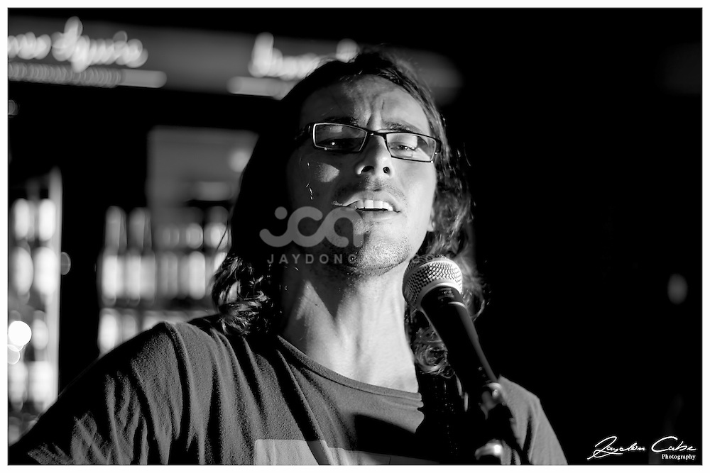 Phil Barlow plays at the Alibi Room, New Farm, Brisbane. Photo by Jaydon Cabe Photography.