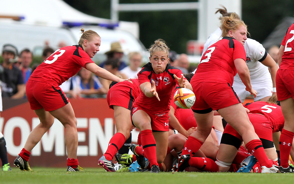 Stephanie Bernier in action. England v Canada Pool A match at WRWC 2014 at Centre National de Rugby, Marcoussis, France, on 9th August 2014