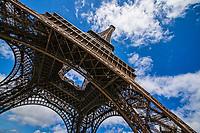 Le Tour Eiffel / Eiffel Tower
