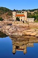 France, Loire (42), Saint-Priest-la-Roche, Château de La Roche sur la Loire, vallée de la Loire // France, Loire (42), Saint-Priest-la-Roche, Castle of La Roche on the Loire, Loire valley