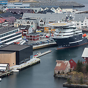 Olympic Bibble at Fosnavåg Harbour | Olympic Bibble i Fosnavåg havn