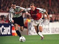 Lee Dixon (Arsenal) Vitali Abramov (FC Shakhar Donetsk). Arsenal 3:2 FC Shakhar Donetsk, UEFA Champions League, Group B, 20/9/2000. Credit Colorsport / Stuart MacFarlane