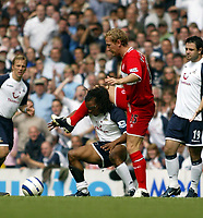 Photo: Chris Ratcliffe, Digitalsport<br /> Tottenham Hotspur v Middlesbrough. The Barclays Premiership. 20/08/2005.<br /> Ray Parlour is all over Edgar Davids<br /> Norway only