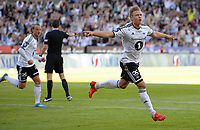 Fotball Tippeligaen Rosenborg - Molde<br /> 27 juni 2015<br /> Lerkendal Stadion, Trondheim<br /> <br /> <br /> Alexander Søderlund har scoret 1-0 for Rosenborg og jubler. Tobias Mikkelsen (V) kommer for å gratulere<br /> <br /> <br /> <br /> Foto : Arve Johnsen, Digitalsport