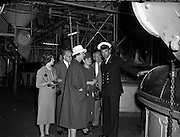 01/05/1958<br /> 05/01/1958<br /> 01 May 1958 <br /> Party of 30 U.S. journalists visit the Guinness Brewery, St. James's Gate, Dublin. On tour of the brewery.
