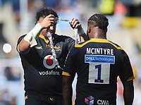 Rugby Union - 2020 / 2021 Gallagher Premiership - Round 22 - Wasps vs Leicester Tigers - Ricoh Stadium<br /> <br /> Toomaga - Allen of Wasps presents Simon McIntyre with a necklace of sweets after playing his last game for the club<br /> <br /> Credit : COLORSPORT/Andrew Cowie